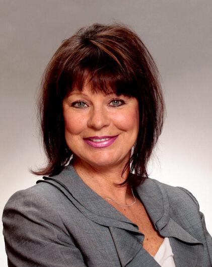 Lorraine DeDonato, Principal Broker in Lake Oswego, Windermere