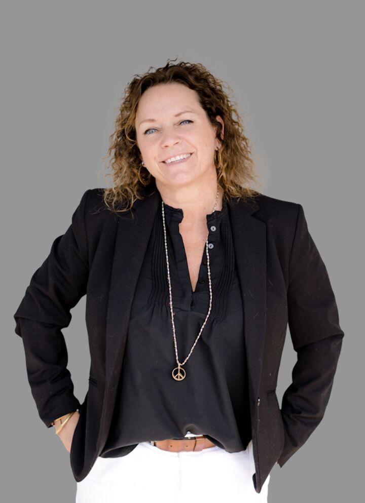 Nicole Wood, Broker Associate in Santa Cruz, David Lyng Real Estate