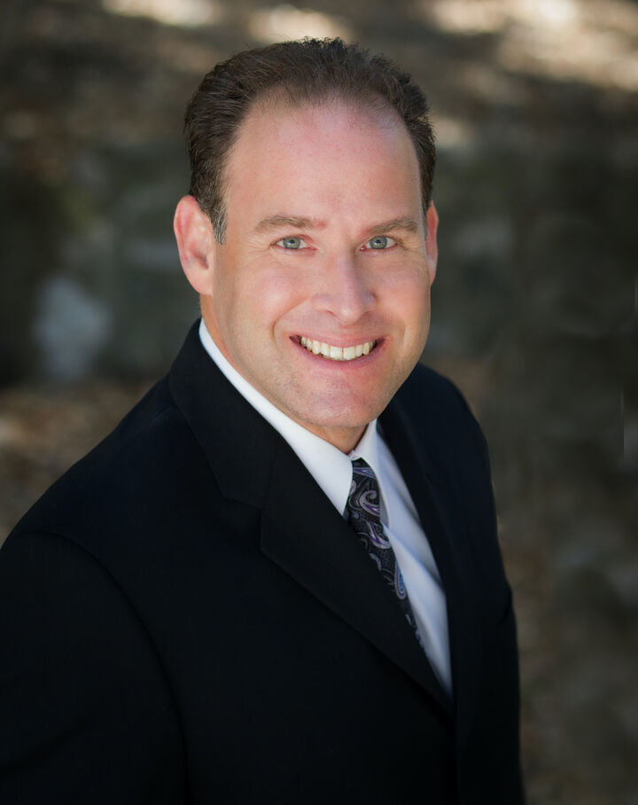 Darren Shack,  in Encino, Pinnacle Estate Properties
